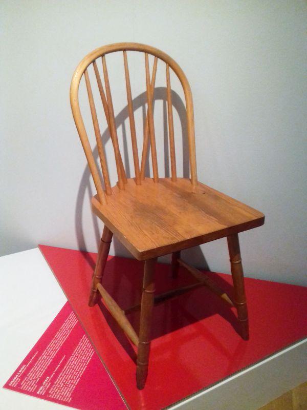 Tradycyjne krzesło Budalsstol